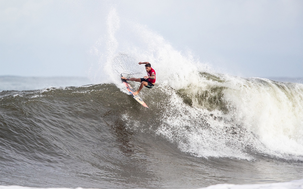 ac13749154 Haleiwa Delivers for Round 2 of the Hawaiian Pro
