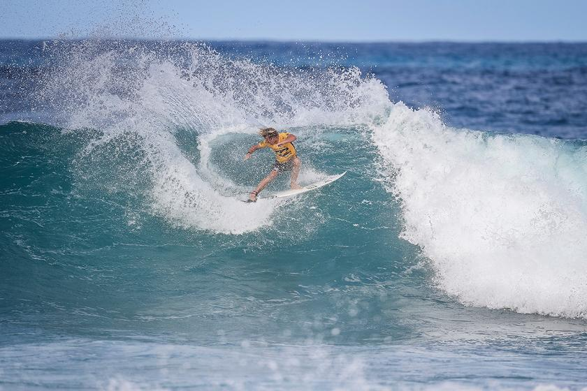 8f63c3faf1 Top Seeds Light Up Rd 1 of Billabong Pipe Masters