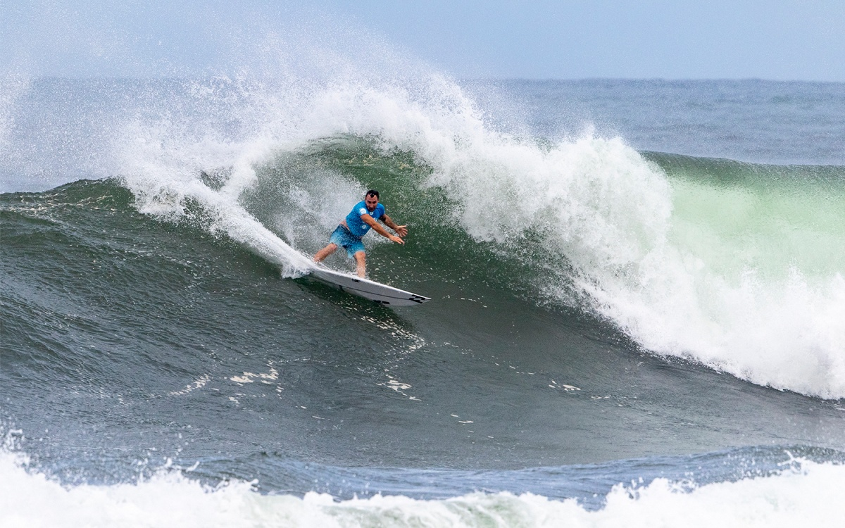 f57619ca3d Quarterfinalists Determined for Hawaiian Pro in Powerful Haleiwa Surf